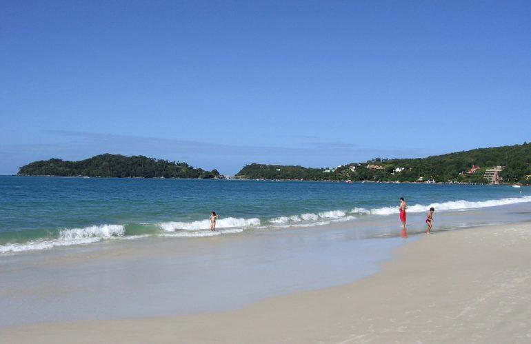 En que playas de Brasil se puede bañar?